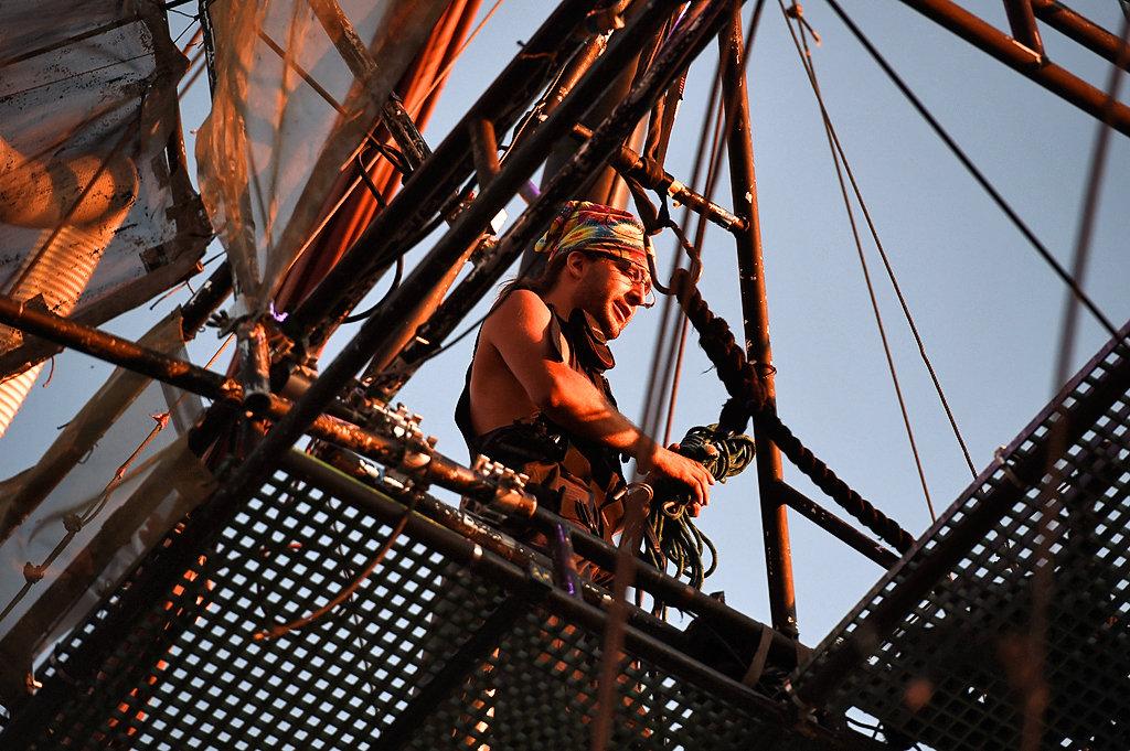Fiberglass Grating Plays Role On Pirate Ship National